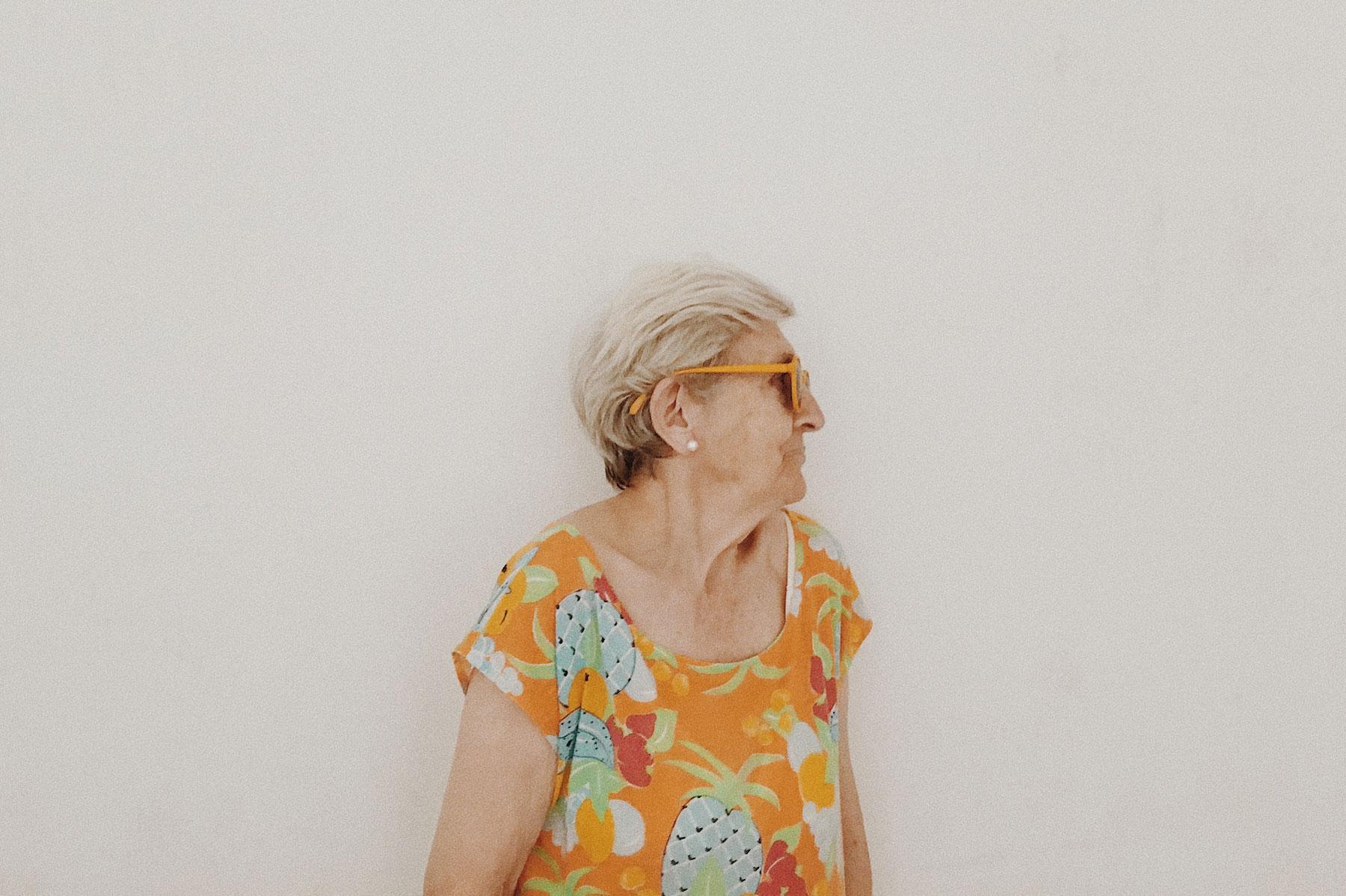 modelo abuela gafas sol diseño